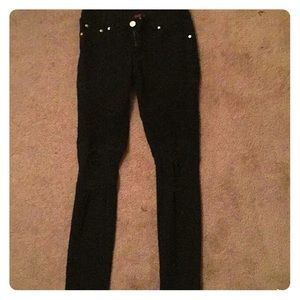 Black ripped skinny jeans w/ detailing